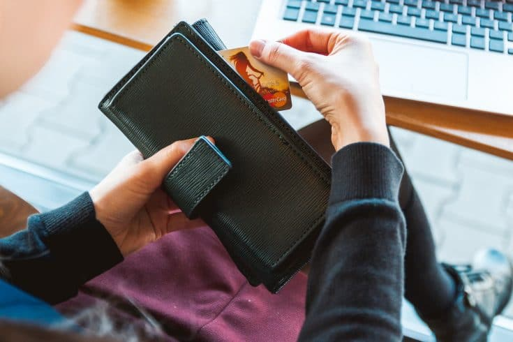 How to declutter your wallet easy guide