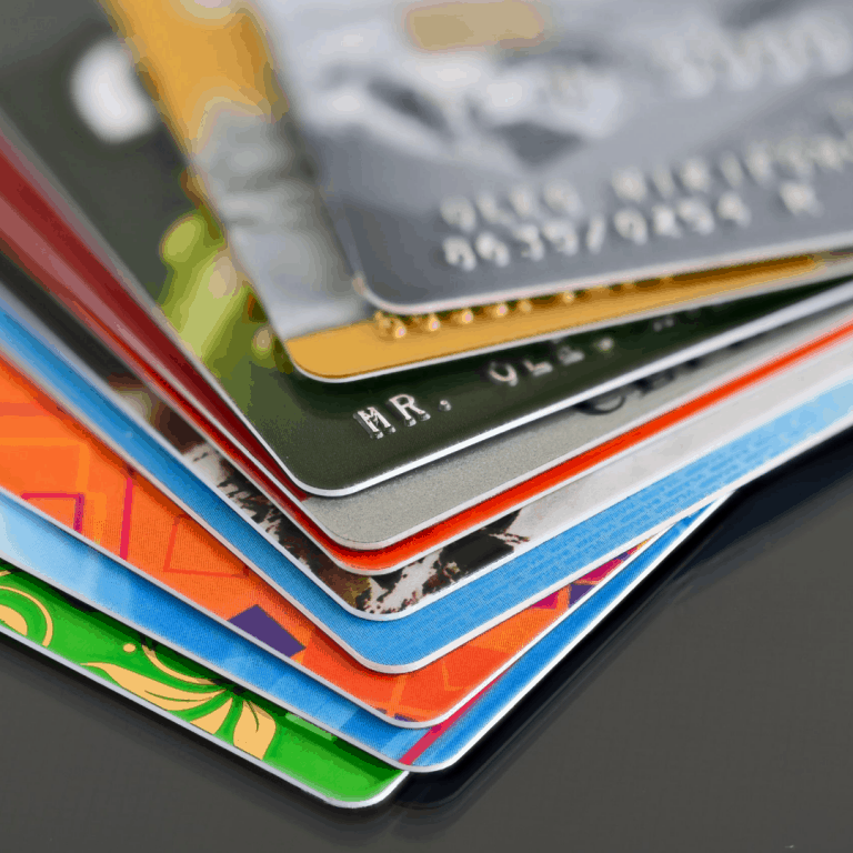 How to declutter your wallet and purse