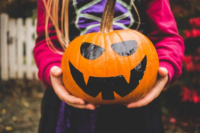 13 of the best Halloween songs for kids playlist that parents will like too