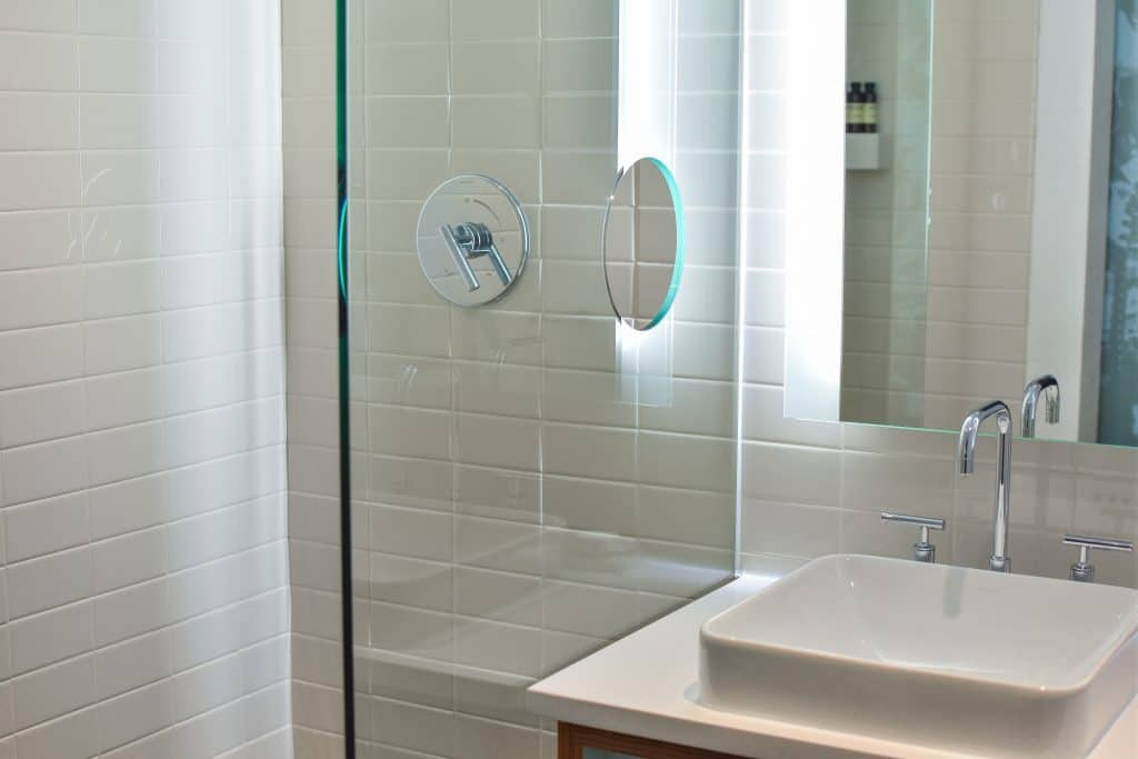 Get rid of mold in bathroom shower