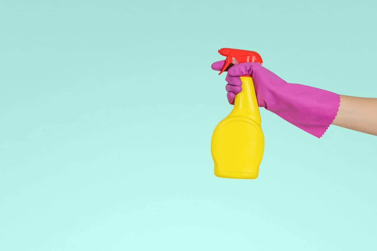 Spring cleaning tips and checklist