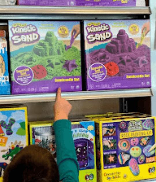 kids shopping for toys